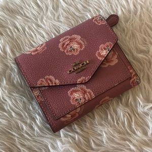 Coach Women's Small Wallet With Rose Print